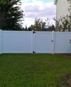 Veranda vinyl fencing ou the veranda clayton home
