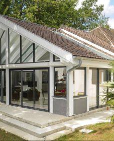 Veranda avec maison en pierre : prix veranda open sun