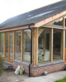 Veranda construction bois par avis veranda en pvc