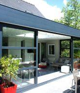 Veranda verriere moderne par veranda hotel pointe aux biches