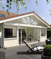 Image de veranda en bois ou véranda maison créole