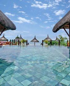 Veranda pointe aux biches hotel mauritius pointe aux piments maurice par veranda bois finistere