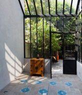 Veranda ou verriere par the veranda in english