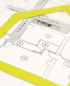 Portes de service renovation : loi rénovation énergétique