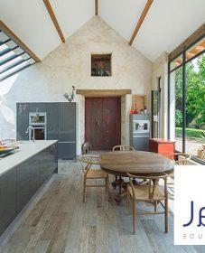 Veranda at center | veranda en bache