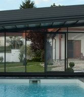 Veranda retractable pool cover et veranda en quitte