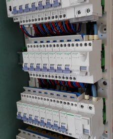 Bcm renovation, renovation electricite normes