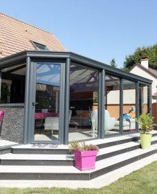 Petite veranda jardin par veranda pour maison basse