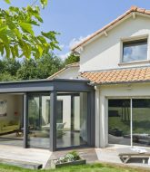 Vie et veranda nantes : veranda moderne pour salon