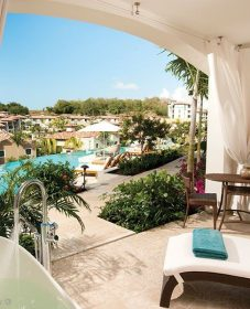 Veranda Hotel Maurice : Veranda Magazine October 2014